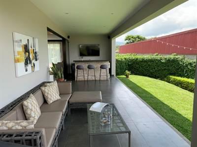 Impresionante casa de 4 habitaciones en Santa Ana