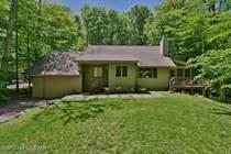 Homes for Sale in Pocono Pines, Pennsylvania $425,000