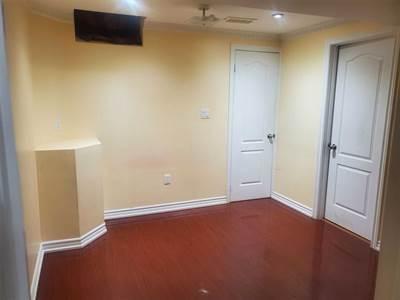 60 Timbertop Cres, Suite Lower, Brampton, Ontario