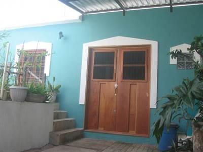 HOUSE WITH PERSONALITY NEAR THE BEAUTIFUL BEACH OF PROGRESO