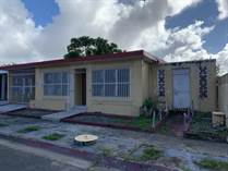 Homes for Sale in Jardines de Country Club, Carolina, Puerto Rico $130,000