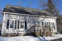 Homes for Sale in Hooksett, New Hampshire $297,400