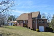 Homes for Sale in Berkeley Springs, West Virginia $310,000