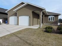 Homes for Sale in The Legends Golf Course Community, Warman, Saskatchewan $444,900