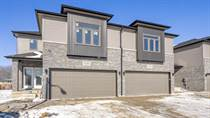 Homes Sold in DEVONSHIRE MALL, Windsor, Ontario $459,900