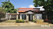 Homes for Sale in Puntarenas, Jaco, Puntarenas $119,000