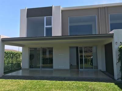 Casa de 3 habitaciones en Venta en Escazu