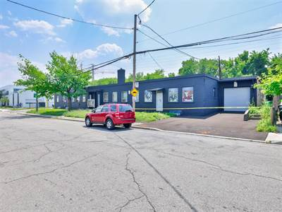 1141 Roselawn Ave, Suite #2A, Toronto, Ontario