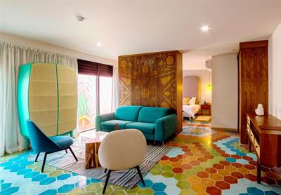 20 Rooms Hotel w/Restaurant and the trendiest common areas on Playa del Carmen