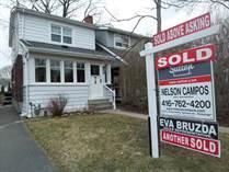 Homes Sold in Mount Dennis, Toronto, Ontario $850,000
