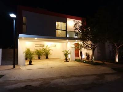 """Conkal, Yucatan presents """"CONKAL HOME"""" in a Private Residential area"""