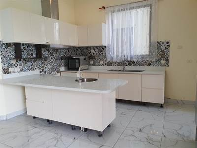 Bello apartamento en Laureles con servicios