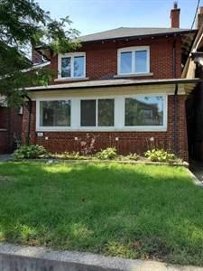 746 Coxwell Ave, Suite #4, Toronto, Ontario
