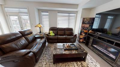 Freehold Townhouse 1313 Clarriage Crt Milton