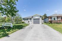 Homes for Sale in Central Barrie, Barrie, Ontario $459,500