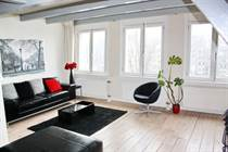 Homes for Rent/Lease in Waterlooplein, Amsterdam, North Holland €2,000 monthly