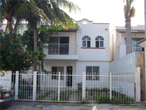 Multifamily Dwellings for Sale in Cancun, Quintana Roo $1,950,000