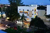 Commercial Real Estate for Rent/Lease in entre 5Av. y 10Av. , Playa del Carmen, Quintana Roo $8,000 monthly