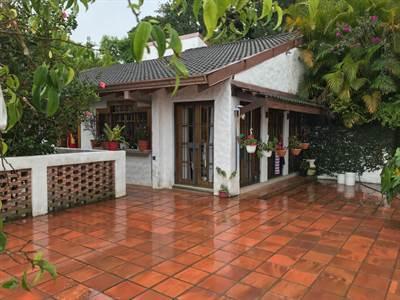 Exquisita Casa Remodelada 3 hab con amplios Espacios