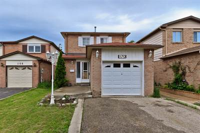 Huge Backyard In Brampton! Upgraded 3+1 Bedroom Home!!