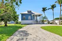 Homes for Sale in Bonita Springs, Florida $724,900
