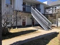 Homes for Sale in Simcoe County, Wasaga Beach, Ontario $285,000