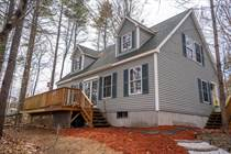 Homes for Sale in Oak Hills, Sabattus, Maine $275,000
