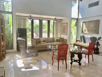 Homes for Sale in La Colina, Guaynabo, Puerto Rico $700,000
