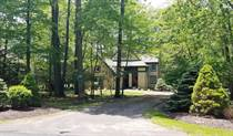 Homes for Sale in Pennsylvania, Buck Hill Falls, Pennsylvania $259,000