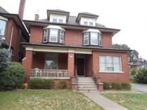 Multifamily Dwellings for Sale in Hamilton, Ontario $829,900