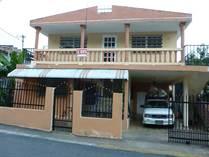Multifamily Dwellings for Sale in Bo. Candelaria Arenas, Toa Baja, Puerto Rico $65,000