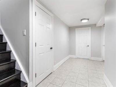 36 Whitburn Cres, Suite Lower, Toronto, Ontario