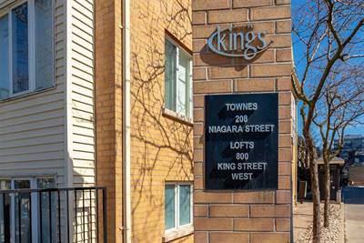 208 Niagara St, Suite Th 25, Toronto, Ontario