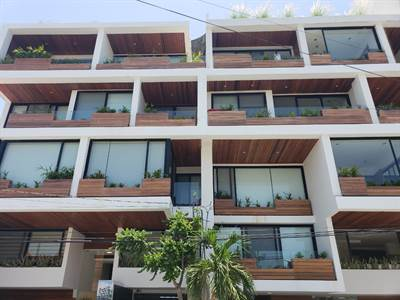 1 Bedroom 2 Bathrooms Close to the Ocean Condo for Sale in Downtown Playa del Carmen DED778