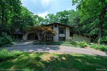 Homes for Sale in Bloomfield Hills, Michigan $679,000