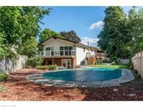 Homes for Sale in Roseland, Burlington, Ontario $1,350,000