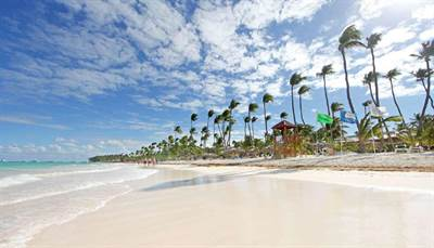 Punta Cana 2 BDR Condo | 2 Minutes Walk To The Beach | Los Corales, Bavaro
