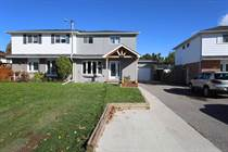 Homes for Sale in New Tecumseth, Ontario $599,000