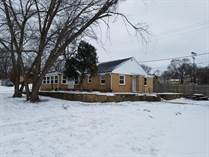 Homes for Sale in Auburn Manor, Rockford, Illinois $59,900