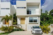 Homes for Sale in Puerto Morelos, Quintana Roo $275,000