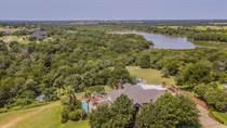 Homes for Sale in Deer Ridge, Woodway, Texas $999,900