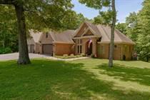 Homes for Sale in Lake Cumberland, Jamestown, Kentucky $525,000