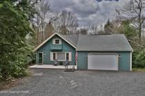 Homes for Sale in Pocono Pines, Pennsylvania $289,000