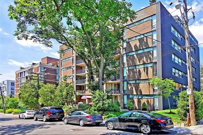 60 Montclair Ave, Suite 402, Toronto, Ontario