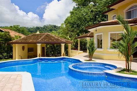Impressive luxurious beach home, Playa Herradura ...
