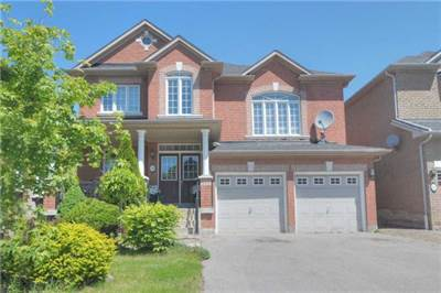 Bright & Spacious 3+1 Bedroom Family Home! Beautiful Vellore Village!