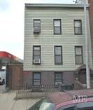 Multifamily Dwellings for Sale in Greenpoint, New York City, New York $2,500,000