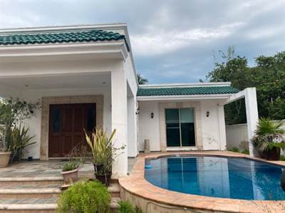 1 Story house 2 minutes from the Malecon of Progreso