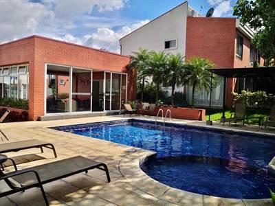 House for sale or rent in Guachipelin condominium, Escazú