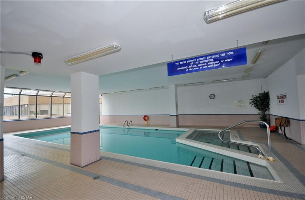 695 Richmond St Swimming Pool